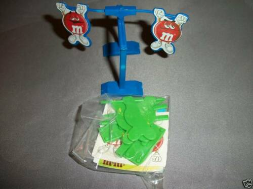 M/&M Pocket Surprise BALANCING Toy 2on BALANCE BAR Green