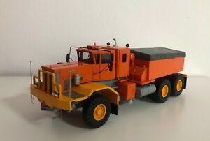 Resin-1-50-Oshkosh-J30120-6x4-Transpesa-Della-Volpe-Built-by-Fankit-Models