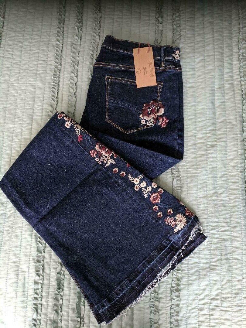 SUNDANCE kvinnor DRIFTträ FARAH Floral Broderöd Flare Stretch 31x34 Jeans