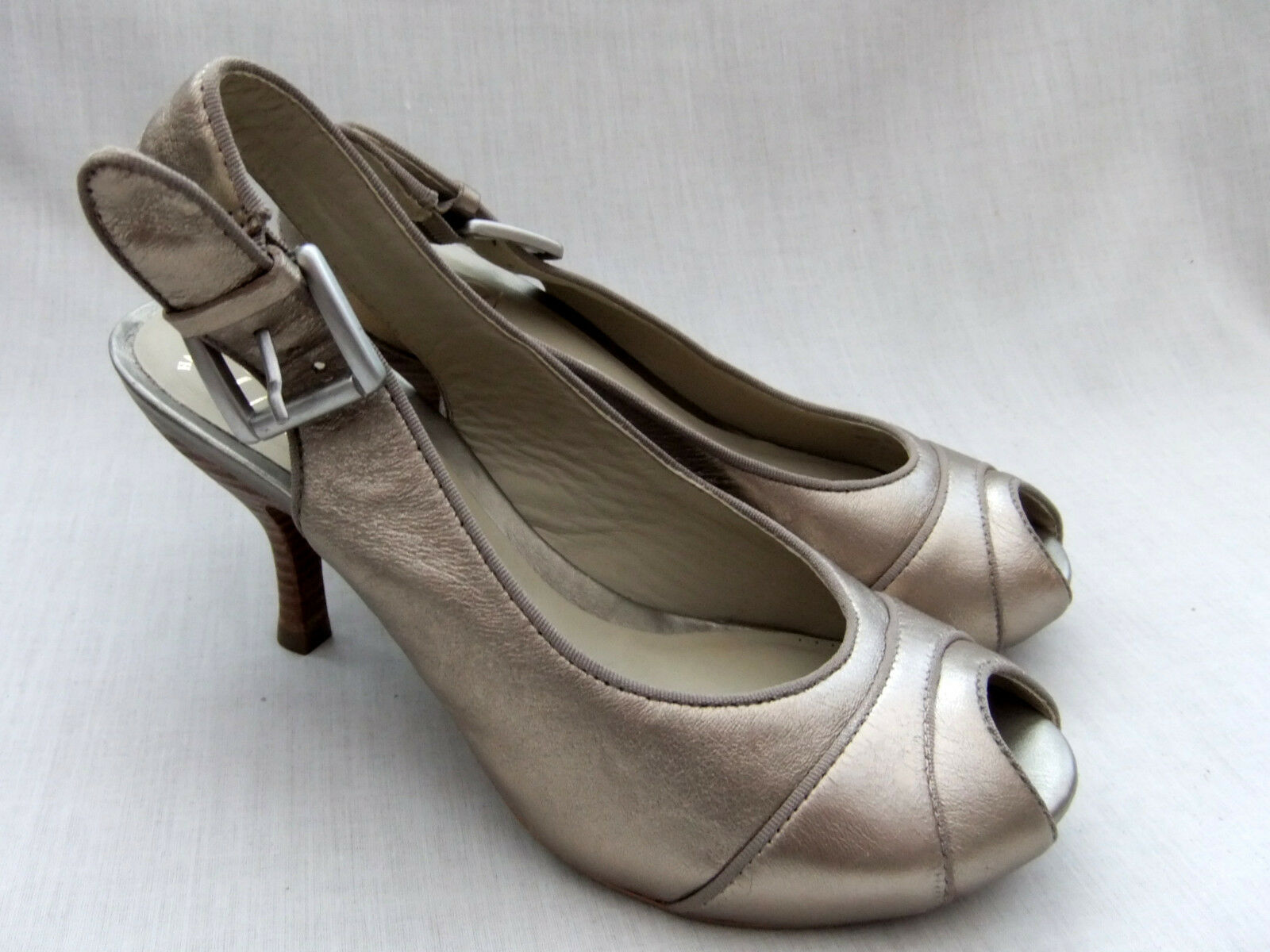 Zapatos De Cuero nuevos CLARKS HECHOS A MANO MANO MANO Trini Asha Para Mujer Metálico Talla 5 38  mejor calidad