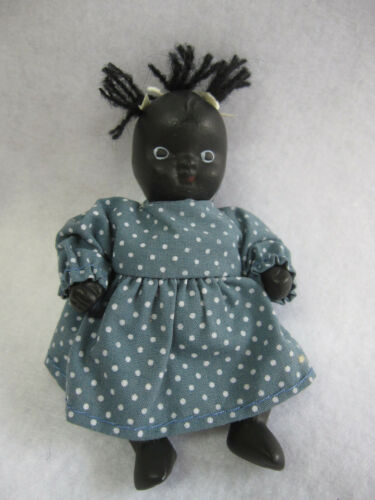 """Vintage Black Americana Jointed Ceramic Baby Doll 4/"""" Blue Dress w Kaiser Stand"""
