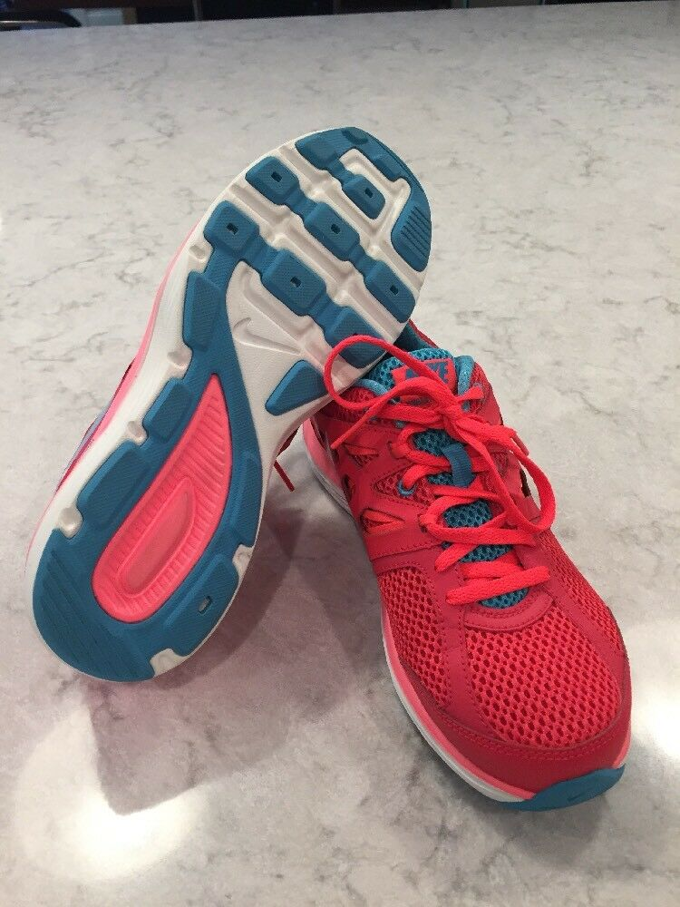 Awesome Condition Nike Womens Running Shoes Sz US 6.5 or 37.5 Dual Fusion Lite
