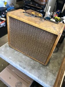 Gibson-GA-18-Explorer-1960-Vintage-Tweed-Tube-Amp-Guitar-Amplifier-Serviced
