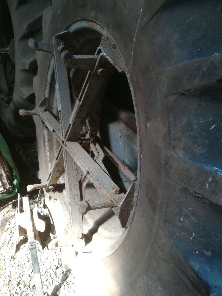 Tvillnghjul, Goodyear 16.9 ×38