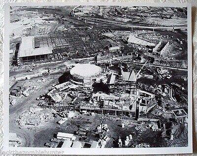 VERY RARE AUG 1981 DISNEY EPCOT FRANCE PAVILION CONSTRUCTION PUBLICITY PHOTO