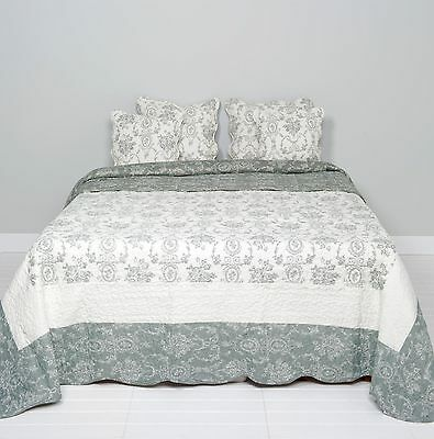 Brillante Clayre & Eef Tagesdecke Quilt Plaid Shabby Chic Landhausstil Grau/weiß 180x260cm