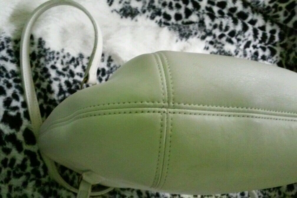 Coach purse, white leather made in the USA, great… - image 8