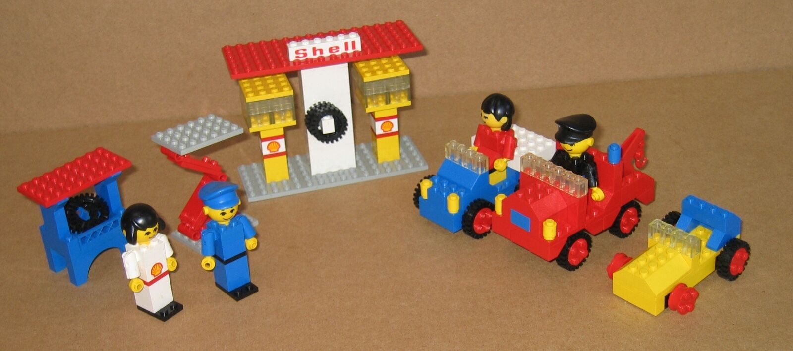330 LEGO Gas Station – 100% Complete NO Instructions GREAT COND 1978