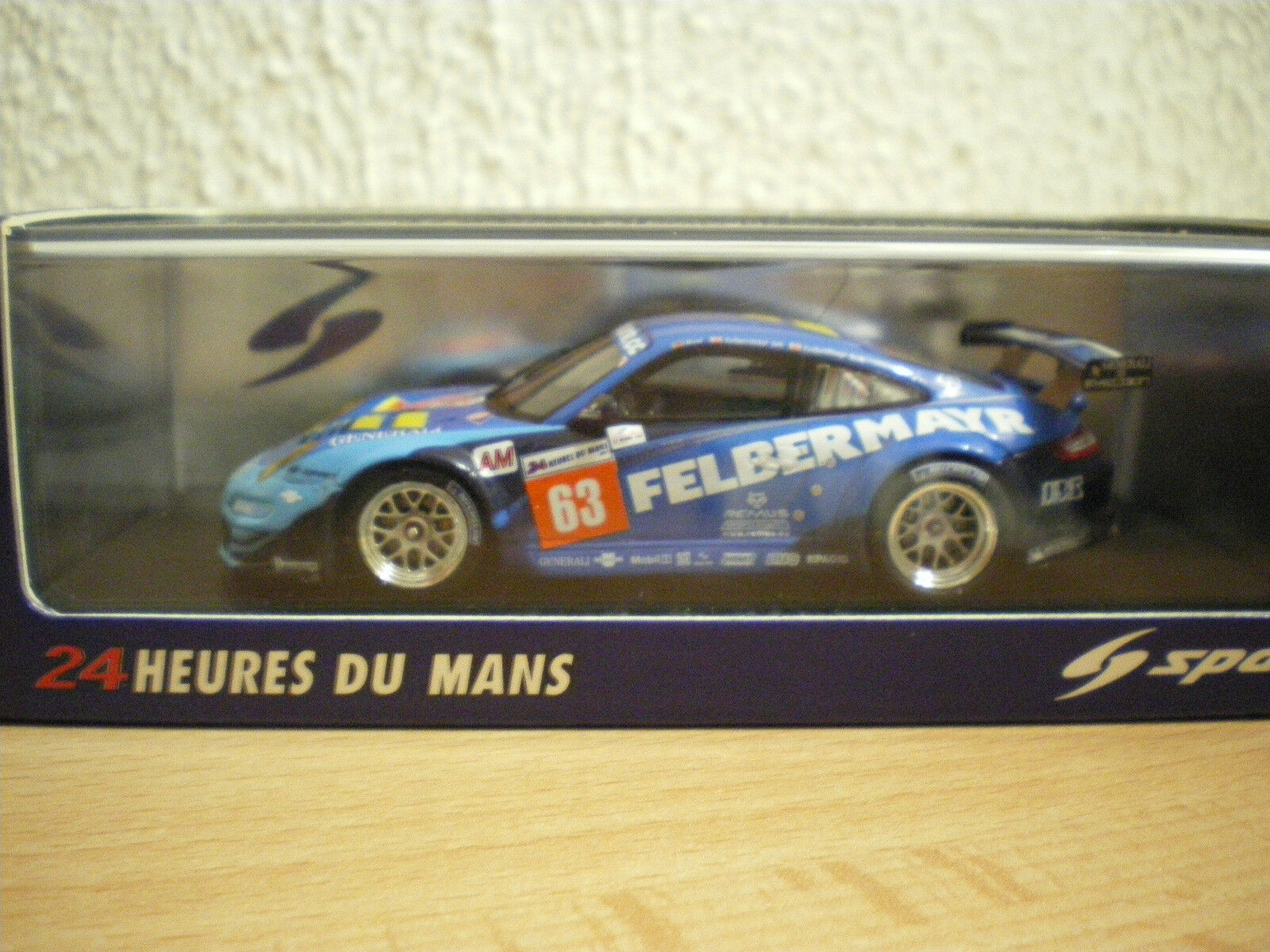 Porsche 997 gt3 rsr  63 prougeon competition le mans 2011 spark 1 43 s3421