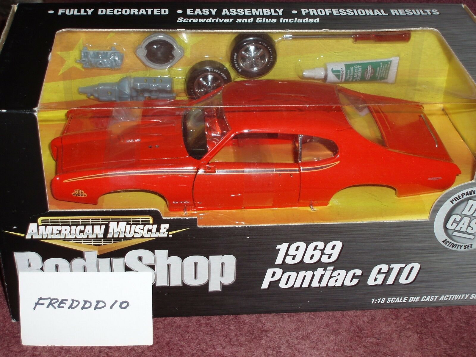 ERTL 1969 PONTIAC GTO  THE JUDGE  BODY SHOP ASSEMBLY MODEL KIT 1/18 arancia