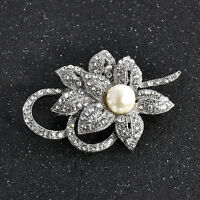 WOMEN Gorgeous Shiny Clear Crystal Bow Brooch pin Rhodium Plated Silver Tone