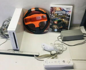 Nintendo-Wii-Bundle-Lot-One-Control-Steering-Wheel-And-Game-Monster-Jam-Tested