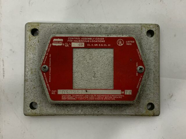 COOPER CROUSE HINDS DSD957 EXPLOSION PROOF BLANK COVER