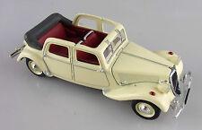 Norev 1/43e: Citroën 15 CV berline découvrable ivoire sans boite