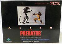 Alien vs Predator : Alien & Predator figures made in 1995                 (XXX)