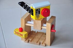 Details About Thomas Tank Engine Wooden Railway Track Gantry Crane With Magnet No Load