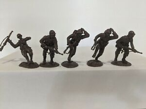 Conte-WWII-U-S-GI-039-S-Bloody-Omaha-5-Figures-Dark-Brown-Color-1-32-Repaired