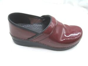 Dansko-39-8M-red-patent-leather-slip-on-comfort-clogs-womens-shoes-406920200