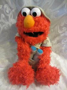 Sesame-Street-Safari-of-Fun-Busch-Gardens-Elmo-17-034-Plush-Soft-Toy-Stuffed-Animal