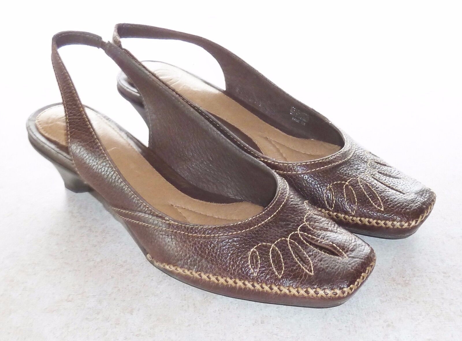 NURTURE *SAGE*  BROWN EMBROIDERED LEATHER LOW-HEEL 7M SLINGBACK PUMPS - LADIES 7M LOW-HEEL e47f90