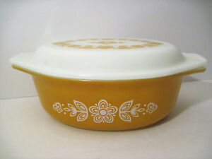 2-Vtg-Pyrex-GOLD-BUTTERFLY-1-Covered-043-HOTDISH-Casserole-Dish-1-1-2qt-w-lid