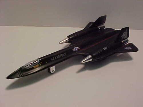US Air Force SR-71 Blackbird Stealth Jet 1:100 Die-cast 7 inches US Military