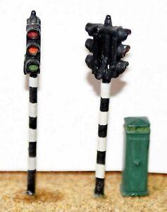 2-twin-head-Traffic-Lights-amp-box-OO-HO-gauge-model-accessories-Langley-F29
