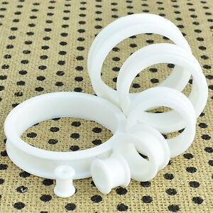 1-Coppia-Bianco-Morbido-Silicone-Flessibile-Orecchio-Tunnel-Plug-Spessori