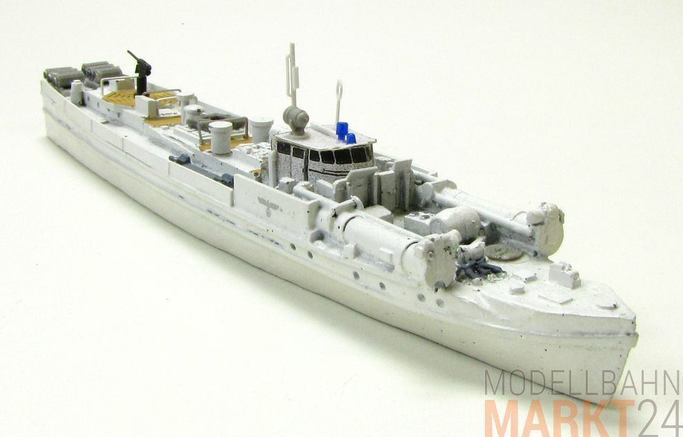 German s7 - 13 Speed Boat 1934 in White Military Stand Model Scale 1 160