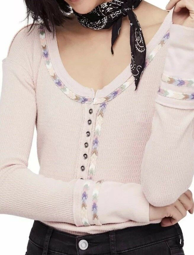 Free People Rainbow Thermal Embroiderot Henley Tee Wash Rosa Größe Large