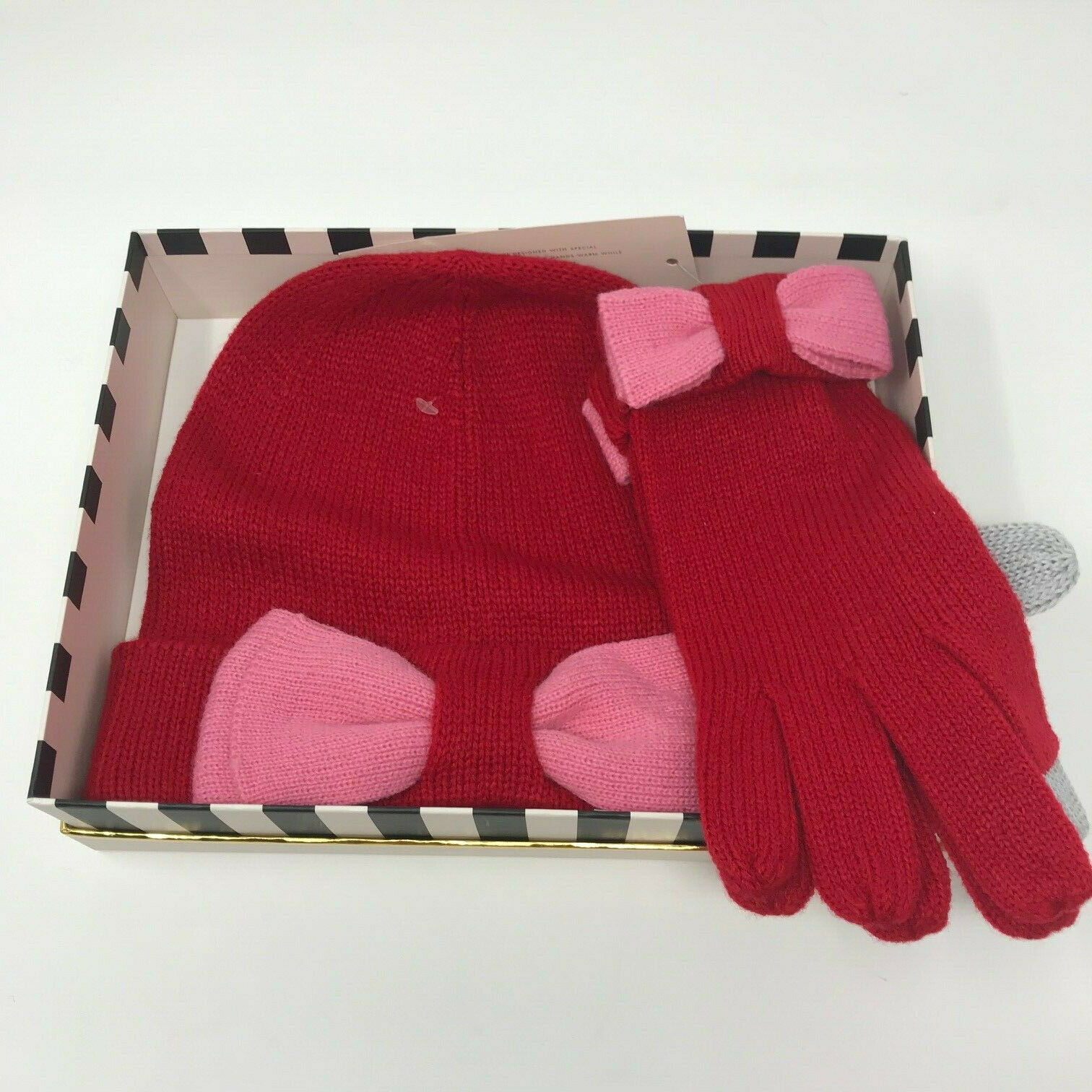New NIB Kate Spade Hat and Glove Set Red Pink Bow Tech Friendly Holiday Winter