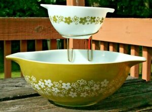 Vintage Pyrex Crazy Daisy Spring Blossom Pattern Chip & Dip Set