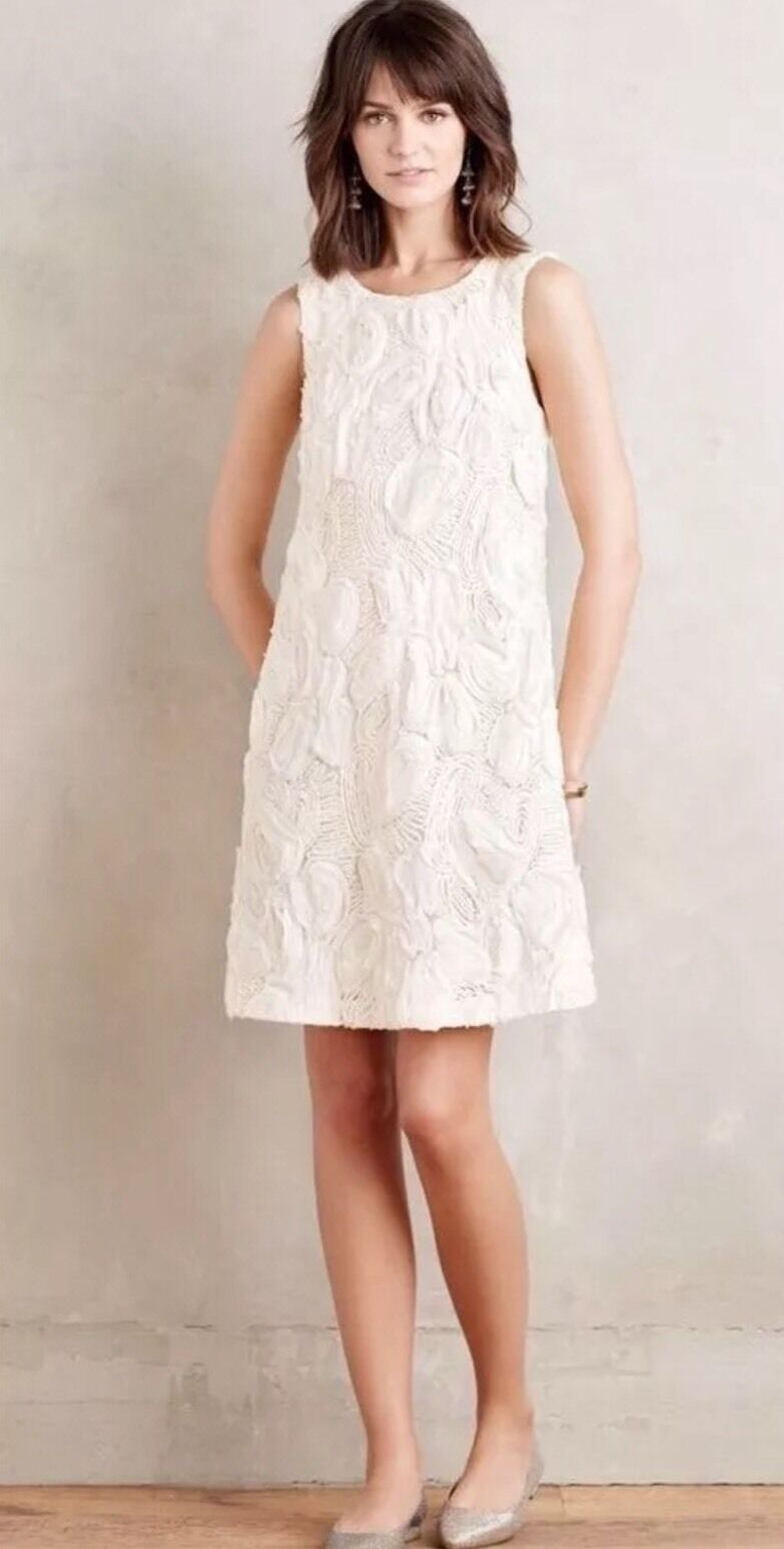 NEW Anthropologie Ivory Snowflower Shift Dress Größe 10