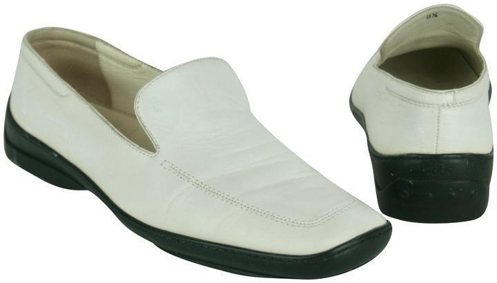 Tod'S Tod'S Tod'S Mocasines Conducción Zapatos Planos Cuero blancoo, suelas de goma negra, talla 8.5 e3a0ce