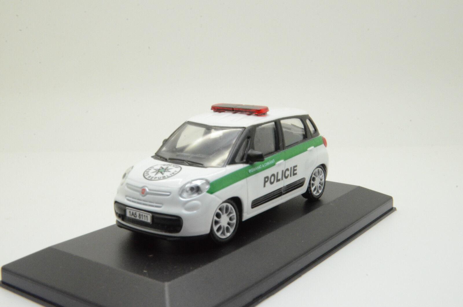 bienvenido a orden    rara    Fiat 500 500 500 checos República POLICIE policía Hecho a Medida 1 43  despacho de tienda