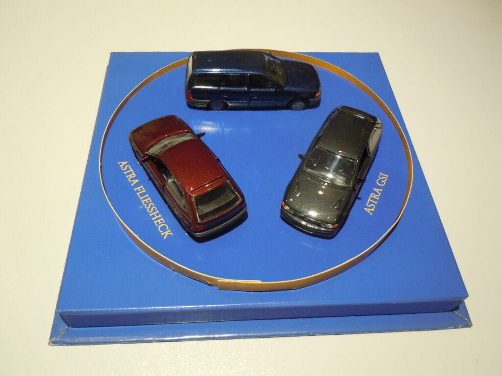 RARE confezione speciale Opel Astra F con tre modelli pre da Gama in 1 43 NUOVO