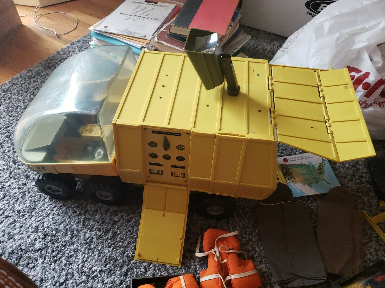 Vintage 1972 1972 1972 GI Joe Adventure Mobile Support Vehicle Near Complete & ACCESSORIES c567e8