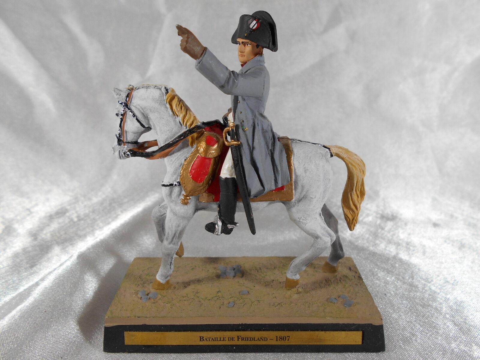 FIGURINE EN PLOMB   NAPOLéON 1er A LA BAsize DE FRIEDLAND 1807