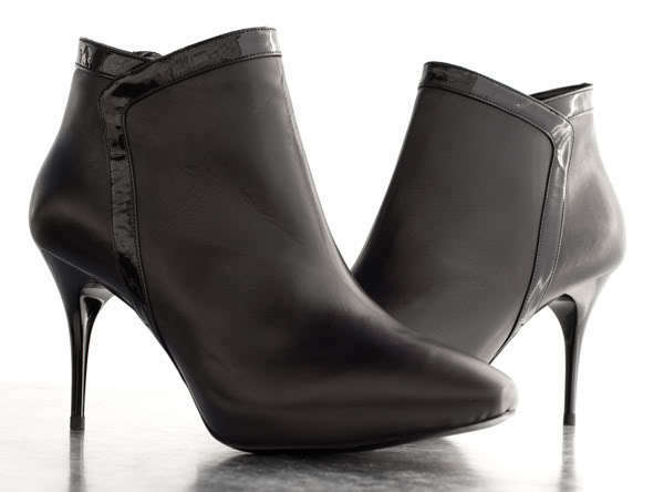 1270 Alexander McQueen Black Leather High Heel Ankle Booties  Size 37