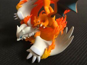 Pokemon-TCG-RESHIRAM-amp-CHARIZARD-COLLECTION-FIGURE-NEW