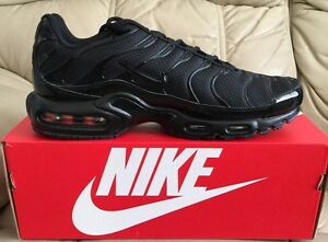 1ee0ee86f1 NIKE AIR MAX PLUS TUNED 1 TN