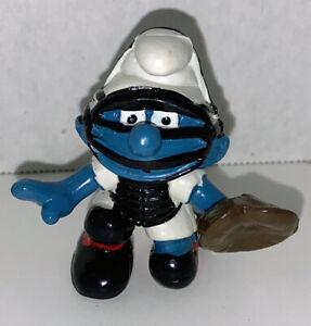 Baseball-Catcher-Smurf-Figure-20146-Vintage-Smurfs-2-inch-Plastic-Figurine