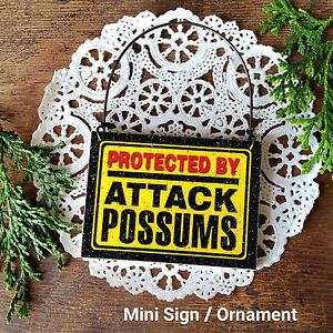 DECO-Mini-Gag-Sign-Wood-Ornament-PROTECTED-BY-ATTACK-POSSUMS-possum-Caution-USA