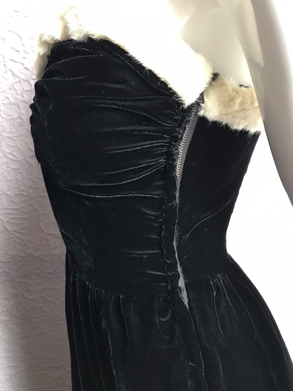 30's Vintage Silk Velvet Evening Gown Goth Vamp  … - image 8