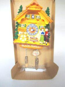 Schwarzwald-Kuckucksuhr-Magnet-Poly-Souvenir-Germany-richtige-Uhr
