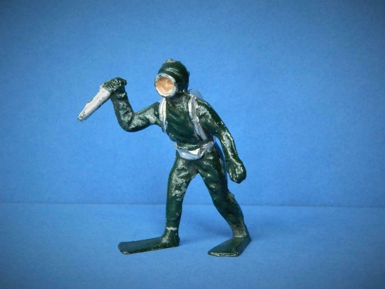 H.R PRODUCTS REYNOLDS (TIMPO) VINTAGE 1950s RARE LEAD DIVER FROGMAN WITH KNIFE