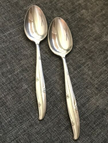 2pcs PV03249 Oneida Community SILVER FLOWER Silverplate Teaspoon