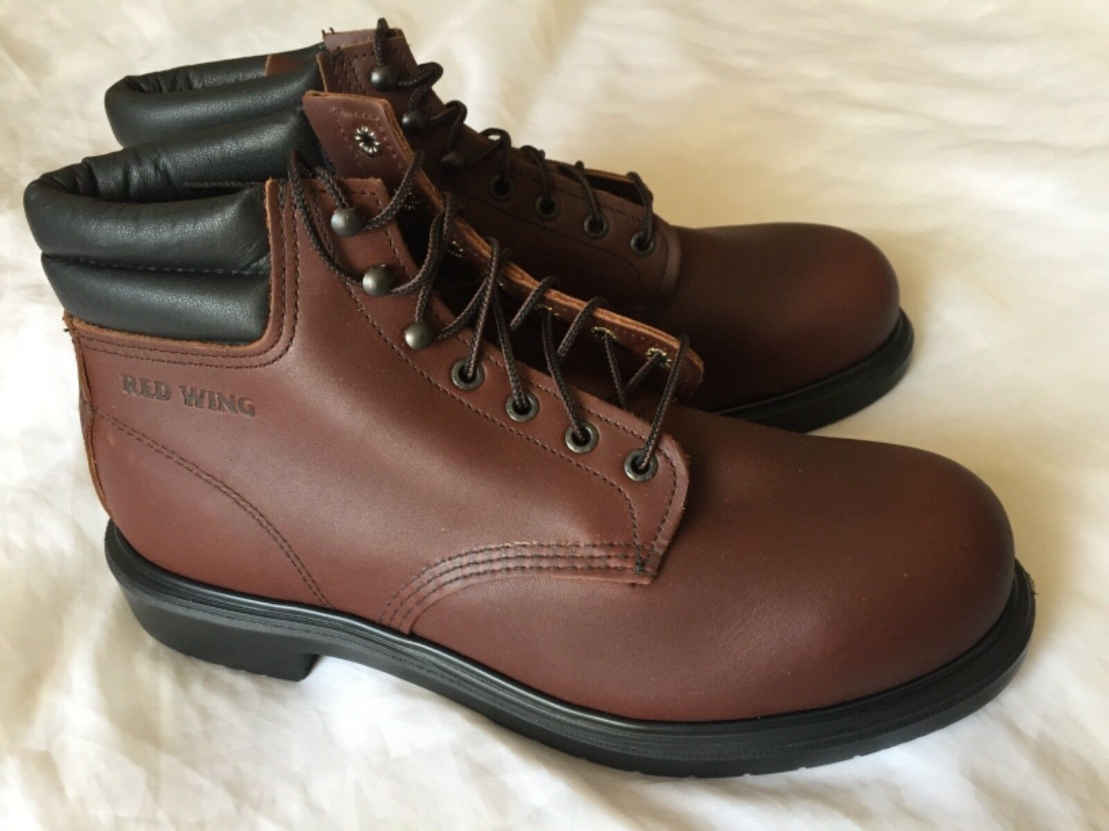 Red Wing 2245 Safety Boots Steel toe  Made in USA Brand New Size 9.5  E