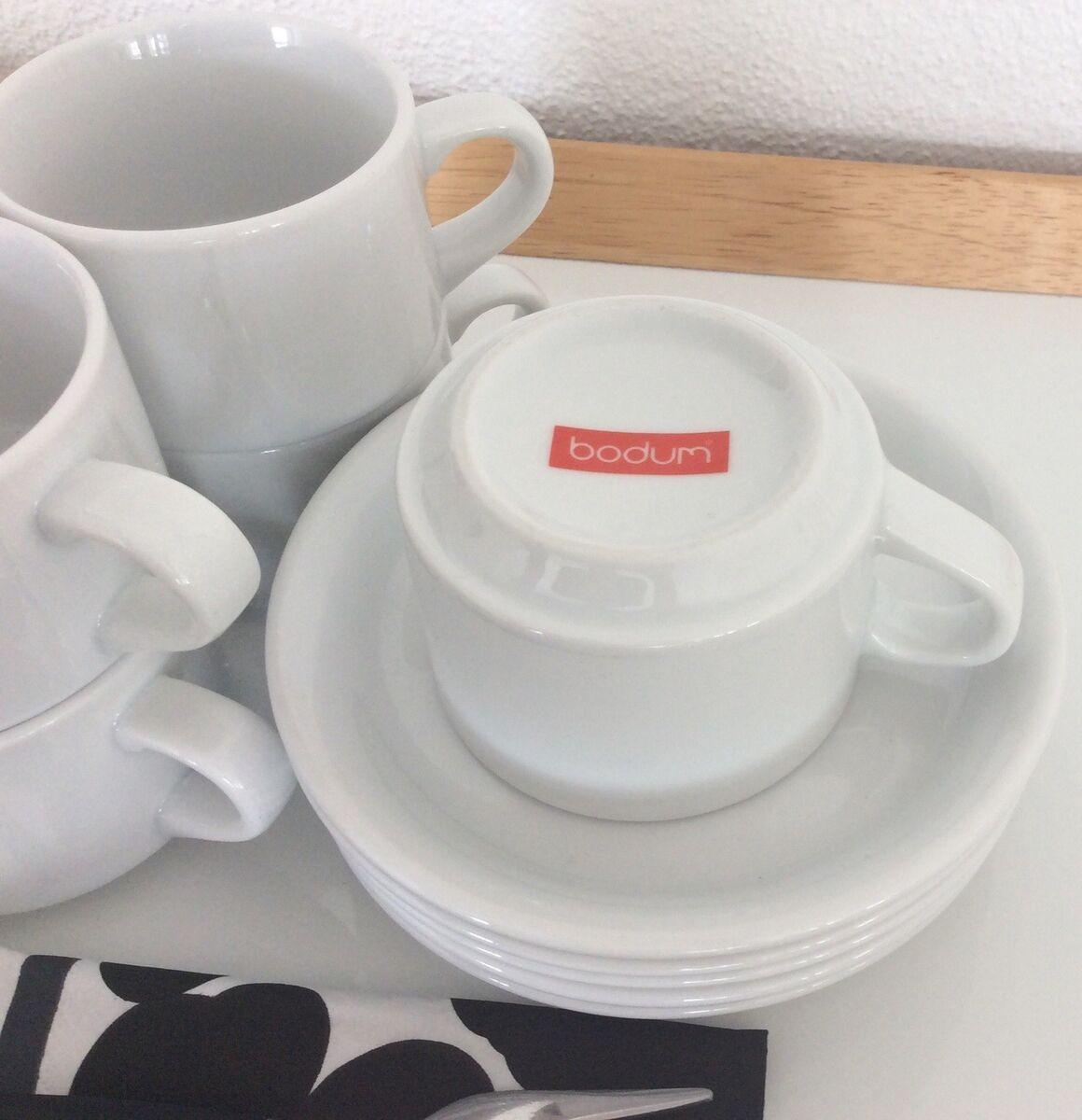 røde kaffekopper