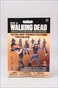 1 x Human Blind Bag Figur The Walking Dead Building Set MBS 14520 McFarlane